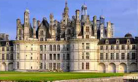 Our semi-guided tours depart from the main city of Tours and from the smaller town of Amboise