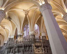 private-tours-cathedrale-notre-dame-de-chartres.jpg