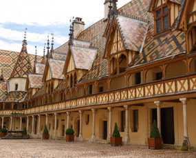 private-tours-hospices-de-beaune-bourgogne.jpg